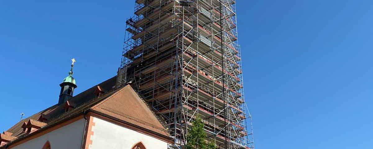 Nur noch die Spitze des Turms ist zu sehen