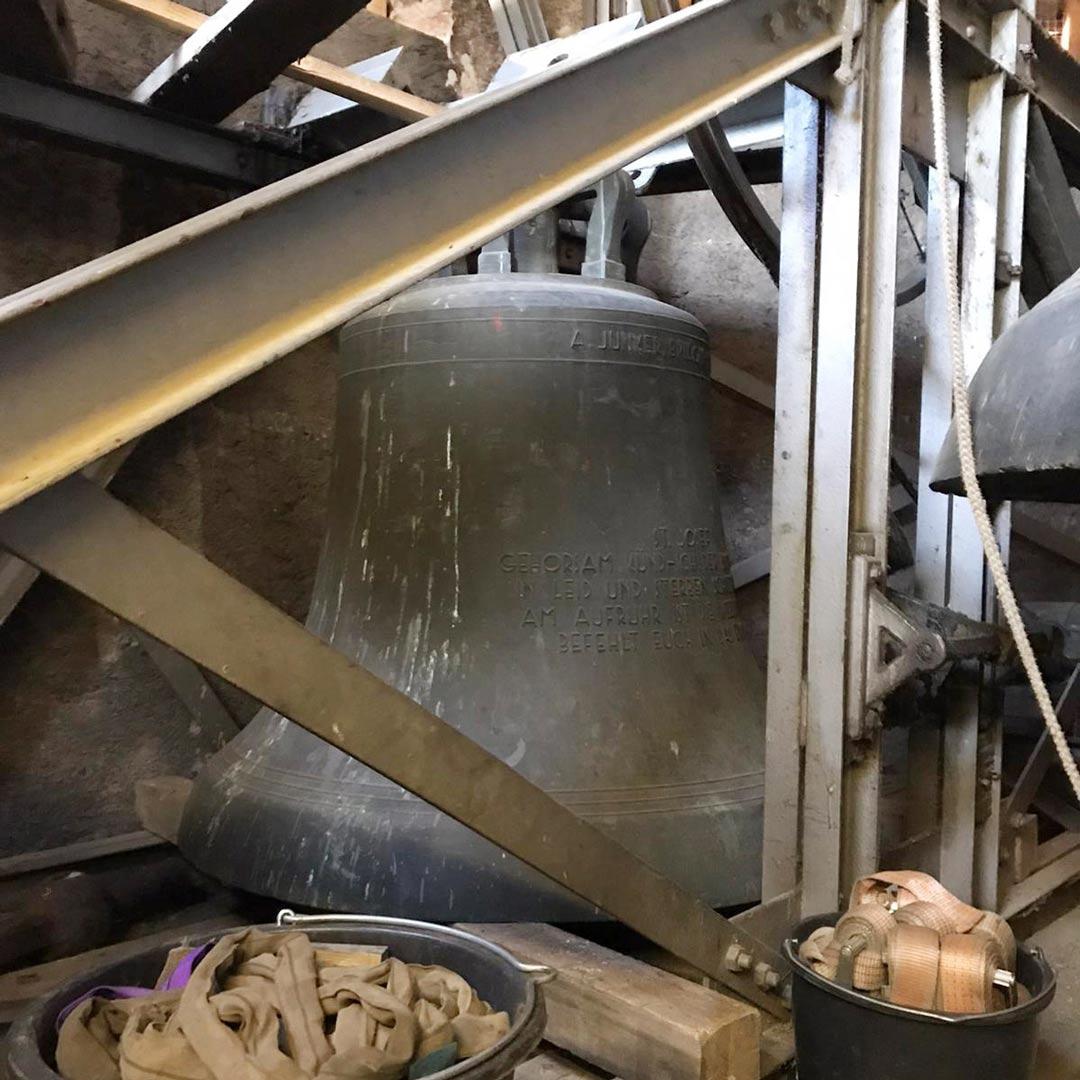 Einige Glocken mussten abgenommen werden.