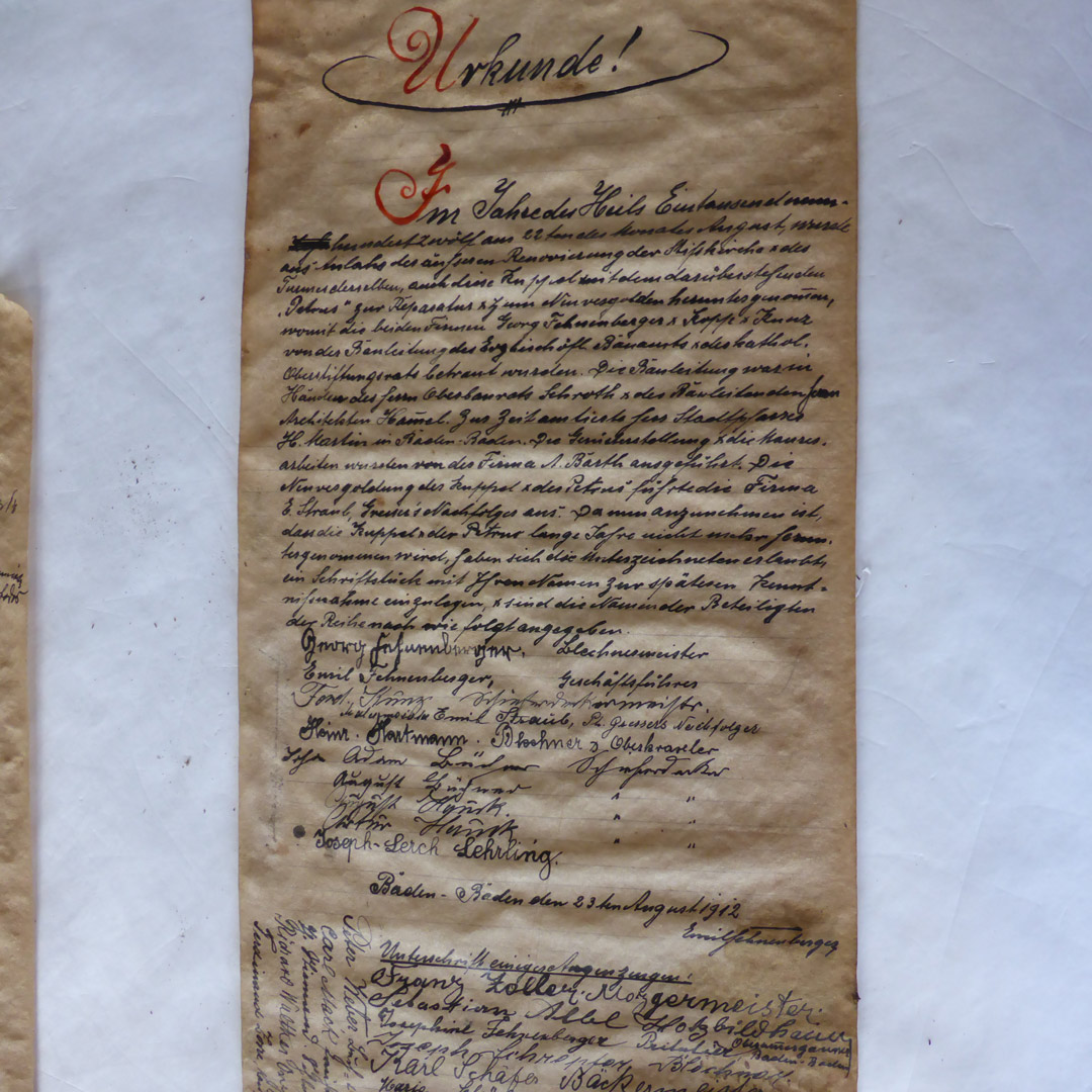 Das Schriftstück aus der Zeitkapsel in der Kugel