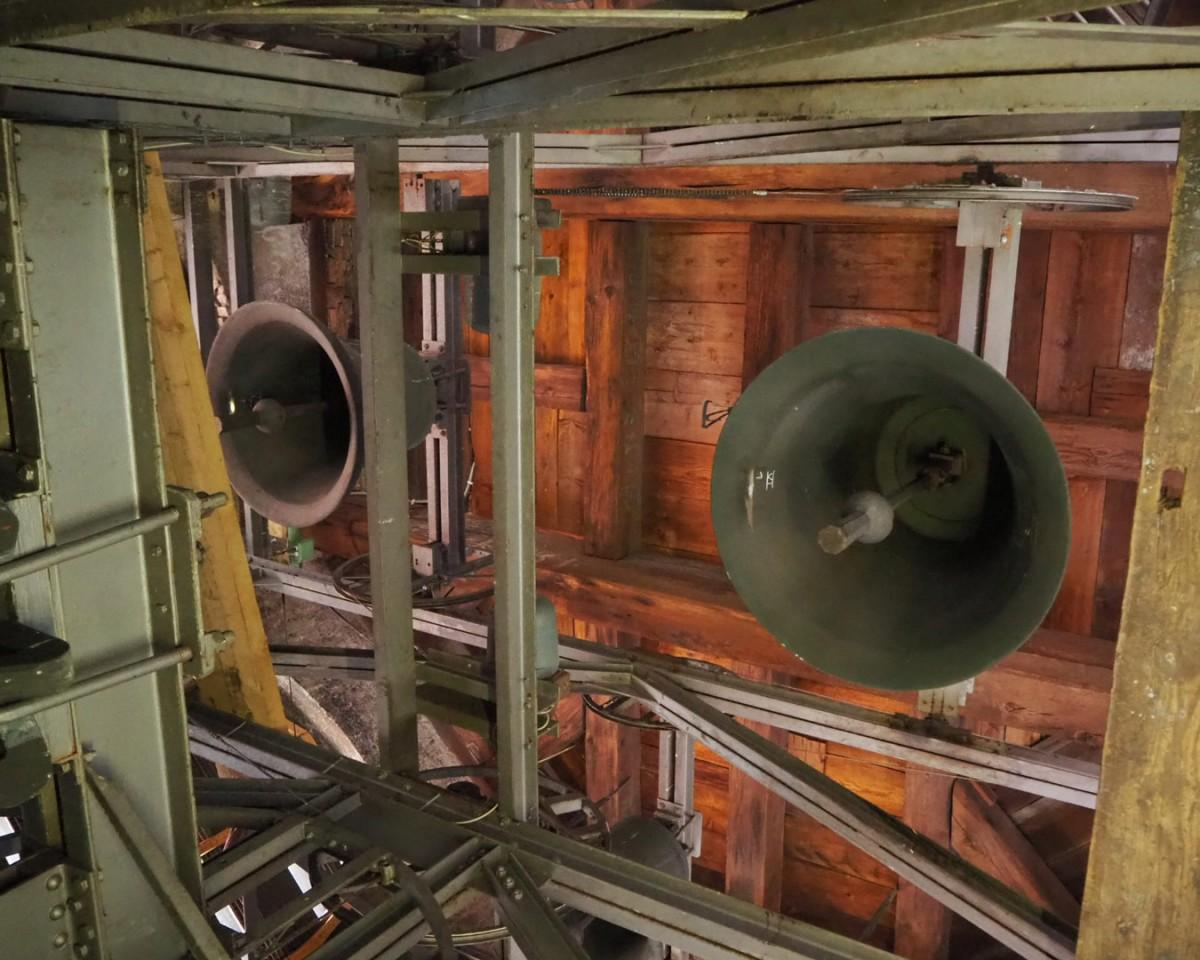 Der Glockenstuhl vor der Renovierung